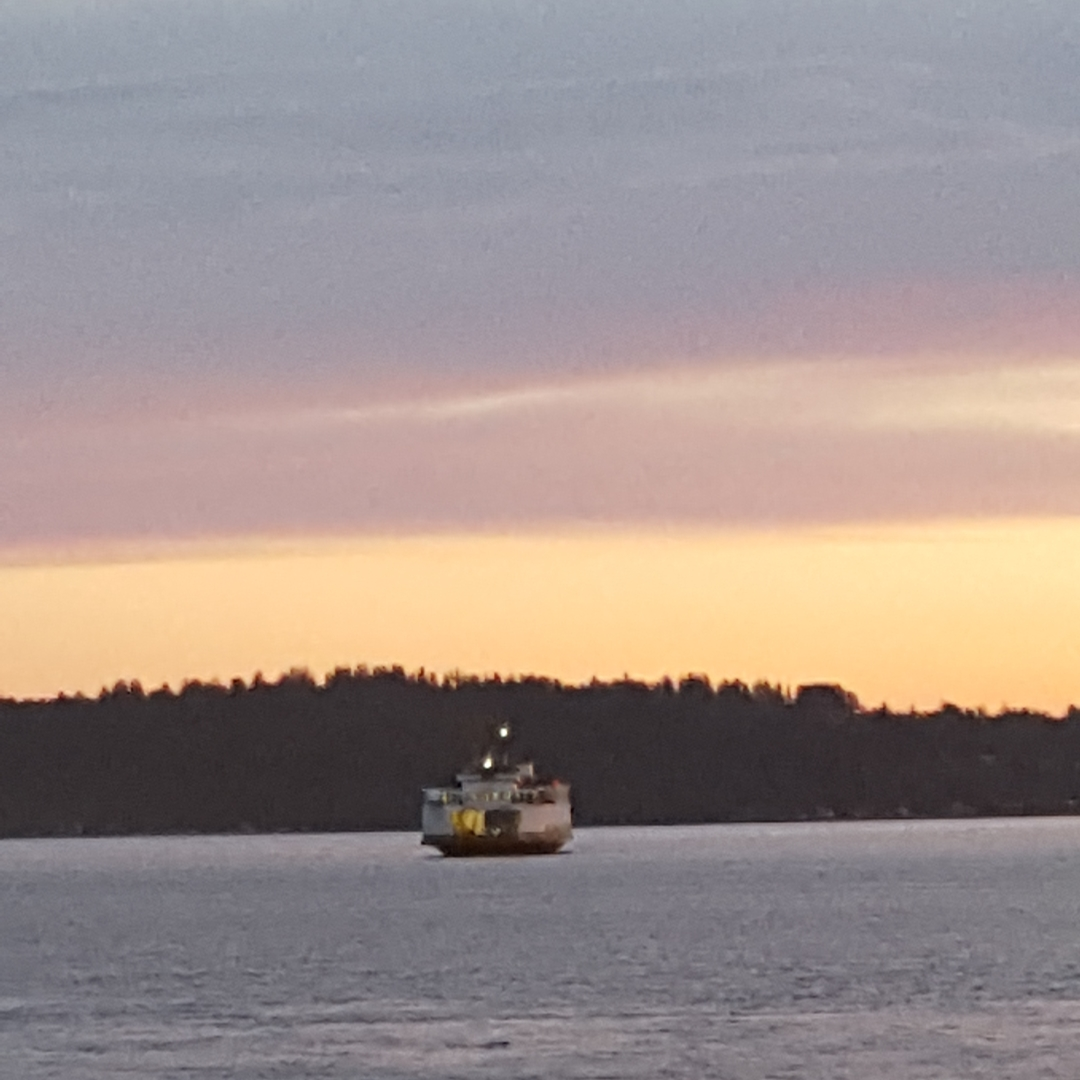 vashon-island-ferry-summer-night